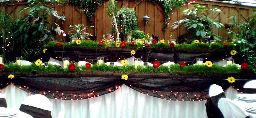 Colasanti's Tropical Gardens Table Set Up
